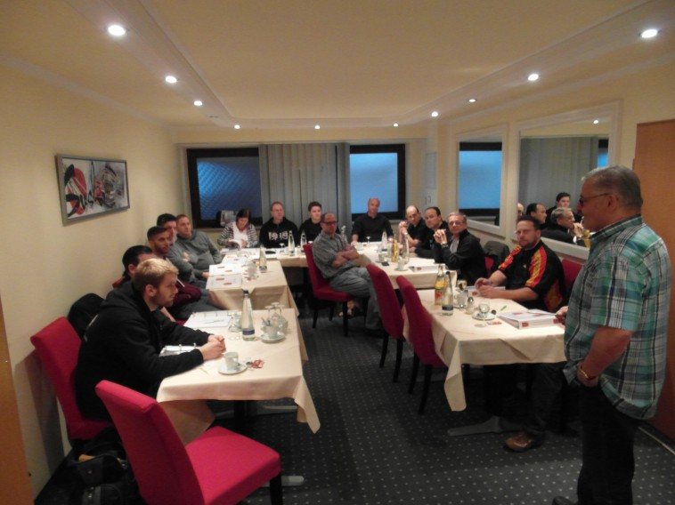 Die Seminarteilnehmer und Referent Lothar Sieber am 23.11.2014
